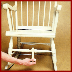 Alte Holzstühle reparieren und mit Holzleim neu verleimen