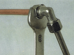 Fittings und Verschraubungen, Rohrverbinder für alle wichtigen Versorgungsadern