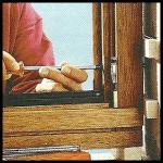 Holzfenster einbauen, genaues ausrichten ist wichtig