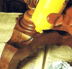 Holzwurm erkennen und mit verschidenen Mitteln bekämpfen