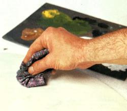 Hellen Marmor mit dunklen Adern imitieren
