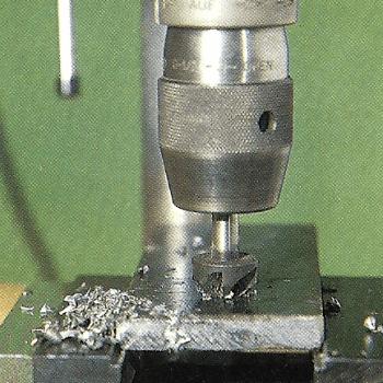Metall feilen und bohren, hier kommt es auf Präzision an