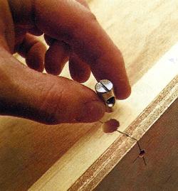 Lösbare Schrankverbinder
