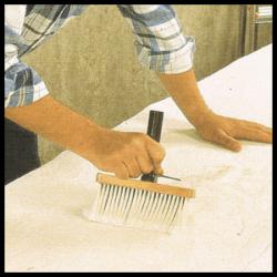 Raufasertapete anbringen (tapezieren) und verarbeiten