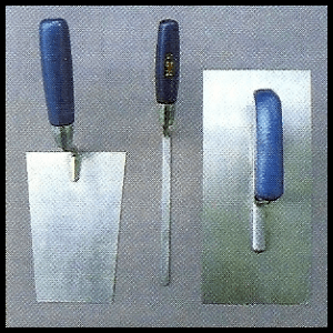 Werkzeuge zum Mauern und Betonieren