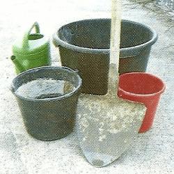 Werkzeuge zum Mauern, Verfugen und Betonieren