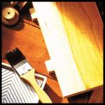 Beizen von Holz, die korrekte Bezeichnung heißt Holzbeizen