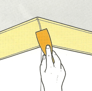 Hohlkehl-Profil für die Deckenkante der Wände