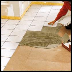 Bodenfliesen im d nnbett verfahren verlegen anleitung for Bodenfliesen verlegen