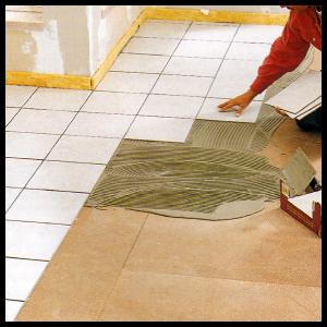 Bodenfliesen im Dünnbett-Verfahren verlegen