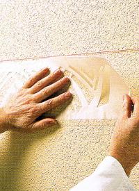 Bordüren mithilfe von Schablonen aufbringen