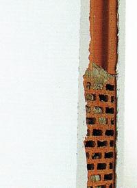Grundputz und Sichtputz auf die Wand auftragen