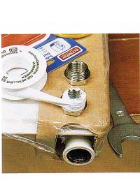 Heizkörper installieren, vor Beginn die Anlage entleeren