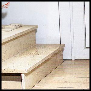 Natursteinverlegung im Hausflur, Natursteinplatten