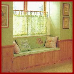 Sitznische mit Stauraum