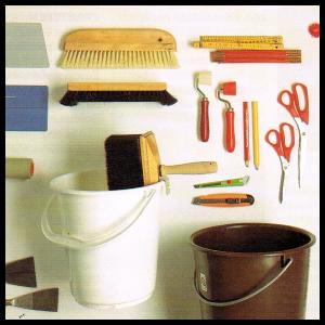 Werkzeuge zum tapezieren, Tapeziertisch, Tapetenschneider