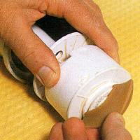 Toilettenspülung reparieren, Reinigen und Zusammenfügen