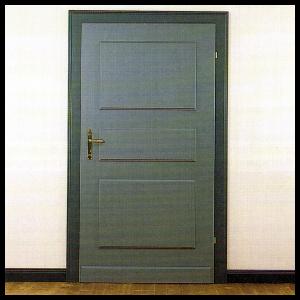 Lackieren von Türen, größere Holzflächen zu streichen