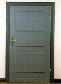 Lackieren von Türen, größere Holzflächen streichen