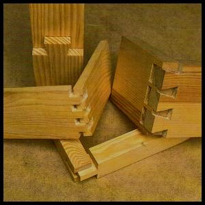 Holzverbindungen mit Schlitz und Zapfen herstellen