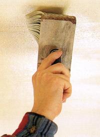 Tapezieren von Zimmerdecken ist nicht ganz einfach